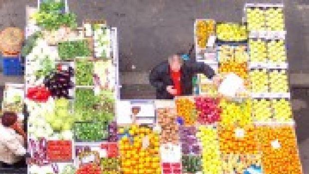 Terza età: frutta e verdura per la mente