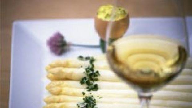 """Terlano, è """"Tempo d'asparagi"""" e di passeggiate gastronomiche"""