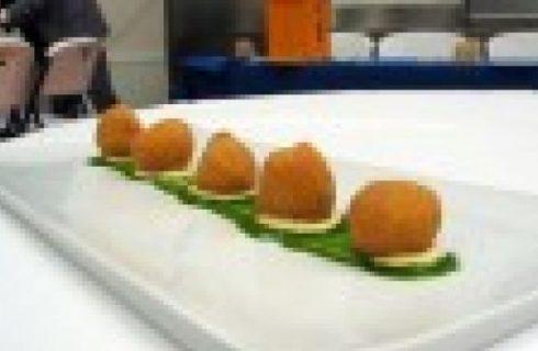 Anguilla brasata al lauro su crostoni di polenta fritta, ricetta