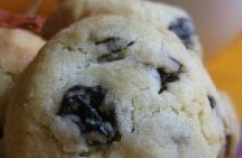 Ricette di Natale: biscotti con arancia e uva passa
