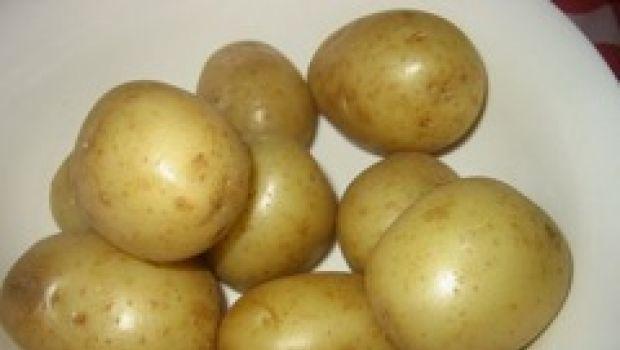 Ricetta tipica russa: zuppa di patate e speck