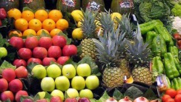 Ricette facile del minestrone di frutta e verdura