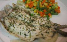Ricetta facile di pesce: filetti di sogliola con fiori di zucca