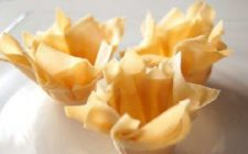 Ricette dolci: cestini di pasta fillo con macedonia