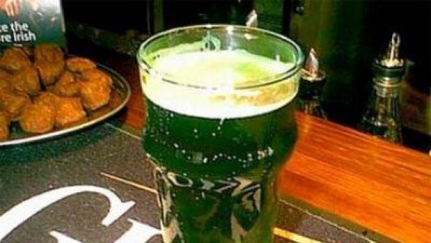Bizzarrie e curiosità culinarie: la birra verde