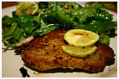 Ricette secondi: bistecche di tonno all'aglio