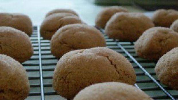 Ricetta facile: biscottini di Natale alla cannella e mandorle