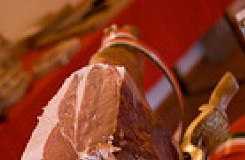 Ricette di Natale: cestini di sfoglia con Parmigiano e prosciutto crudo