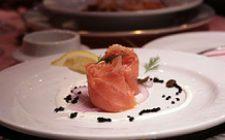 Ricette di Natale: involtini eleganti di salmone