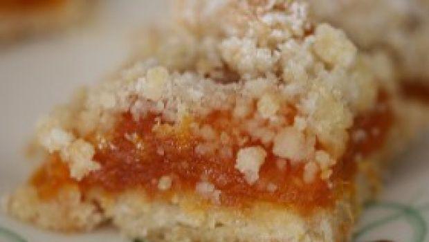 Ricetta dolce facile: biscotti al miele e albicocche