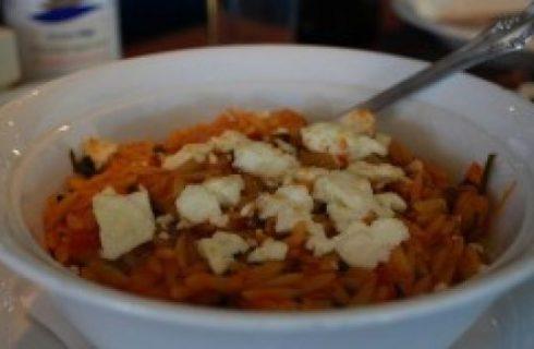 Primi: orzo con pecorino, speck e pomodorini