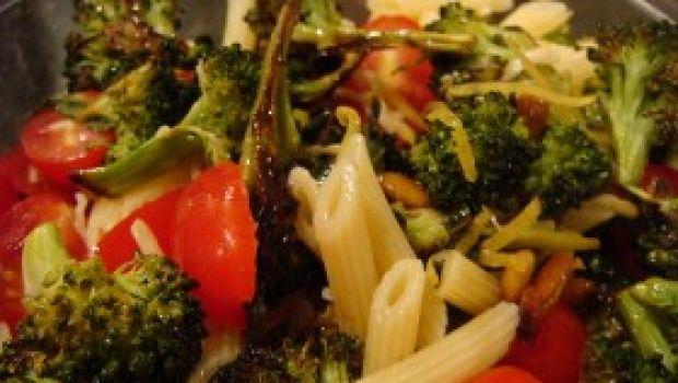 Ricetta primo facile: pasta broccoli e pomodorini freschi