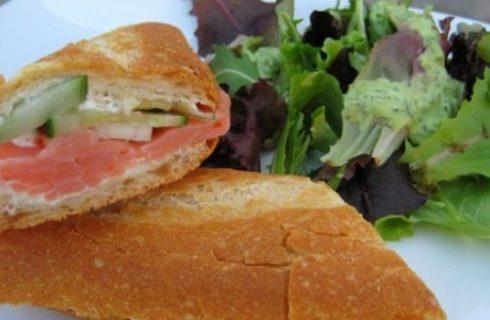 Panini e sandwich: ciabatta con salmone e valeriana