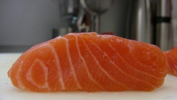 Ricette per la vigilia di Natale: filetti di salmone in salsa di arancia e limone