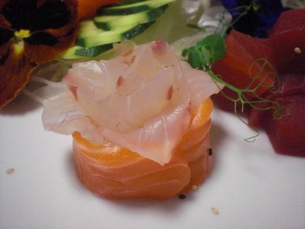 Antipasto cenone di capodanno: panzanella di salmone.