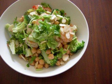 Insalata tiepida di ceci e broccoli