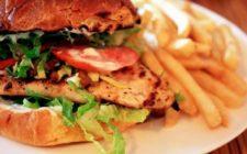 Un panino al giorno: con pollo grigliato e crema al formaggio