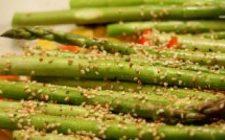 Ricette cinema: gli asparagi al sesamo di American Beauty