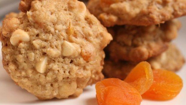 Ricetta dolce facile: biscotti albicocca e cioccolato