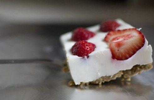 La ricetta del cheesecake velocissimo -ed esotico- alle fragole