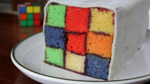 Il dolce a forma di Cubo di Rubik
