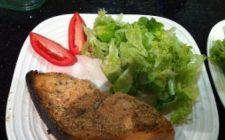 Ricette estive: pesce spada panato con le mandorle