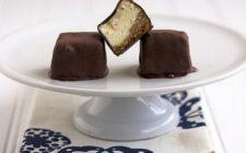 I mini cheesecake ricorperti di cioccolato