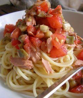Ricette primi: spaghetti al tonno fresco