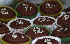 Ricetta dolce: muffin al cioccolato fondente e praline