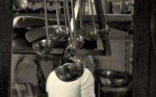 Mestoli forati: gli attrezzi della cucina