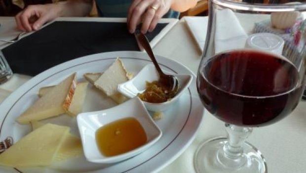 Abbinamento vino-formaggi: quali scegliere