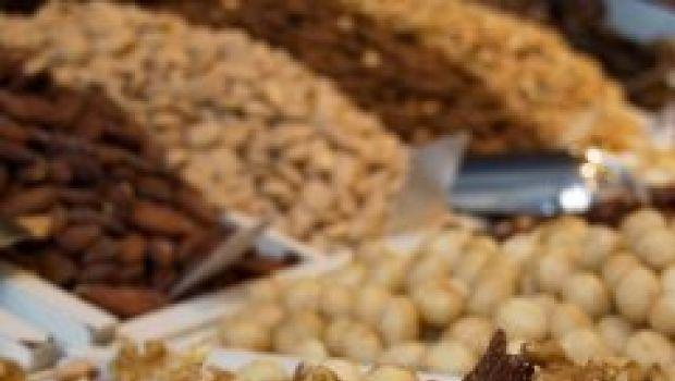 Dolci: Tramezzini di frutta secca e semi.