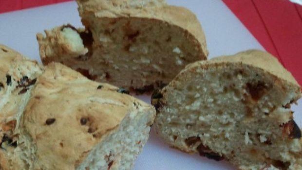 Ricetta mia: il pane con i pomodori secchi
