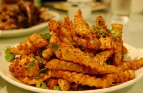 Ricette afrodisiache: patatine piccanti al formaggio