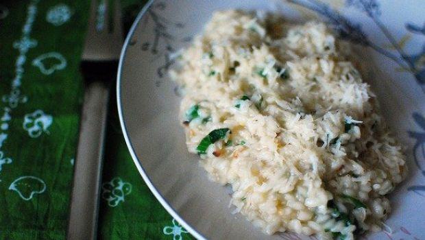 Ricette di primavera, il risotto agli asparagi e burrata
