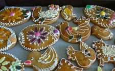 I biscotti decorati per colorare la Pasqua