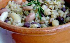 Comfort food: la zuppa di cereali, legumi e speck