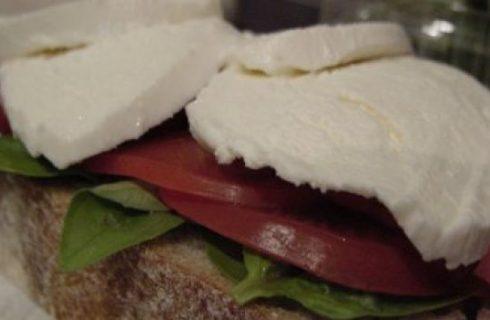 Il sandwich tricolore per il picnic del 25 Aprile
