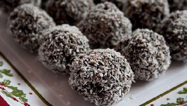 La ricetta dei tartufi al cioccolato, rum e cocco