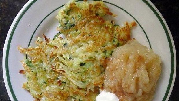 I rosti di patate e zucchine verdi, un contorno veloce