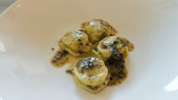Primi: i raviolini con le cipolle