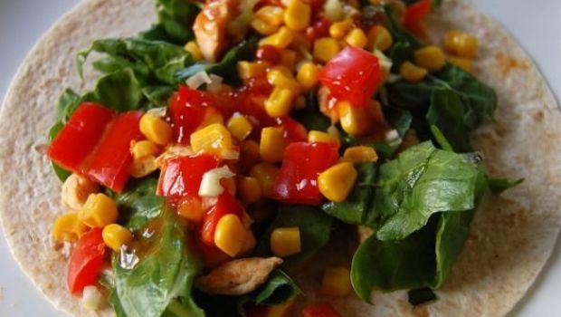 La piadina romagnola con pollo mais ed insalata