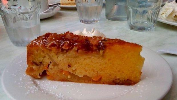 La ricetta della torta di mele e pesche senza grassi