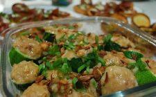 Le zucchine tonde ripiene di patate e tonno al forno