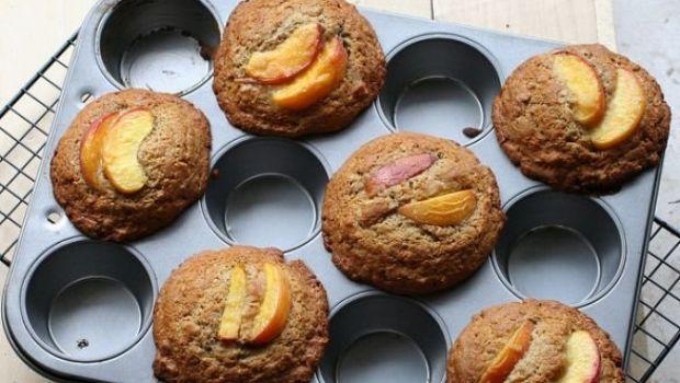 La ricetta dei muffin alle albicocche e mandorle con yogurt merenda estiva