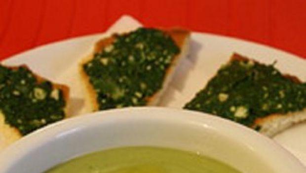 Prima ricetta detox: vellutata di asparagi al limone