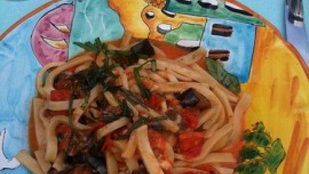La ricetta degli scialatielli pomodori, salame e provolone di Mauro Improta