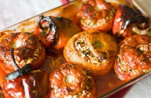 La ricetta dei pomodori ripieni di riso con pesto e mozzarella di Palma d'Onofrio