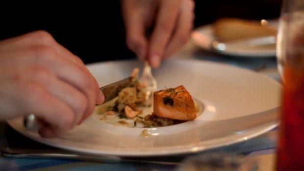 Voglia di pesce, salmone con burro alle erbe aromatiche