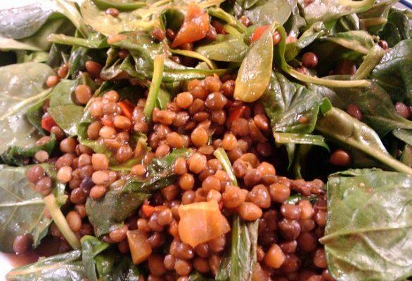 La ricetta di lenticchie e spinaci contro il rischio cardiovascolare